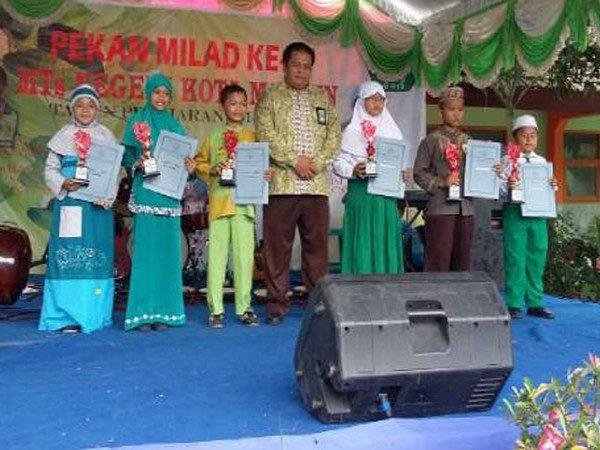 JUARA HARAPAN 1 DAN 3 PIDATO BAHASA INDONESIA