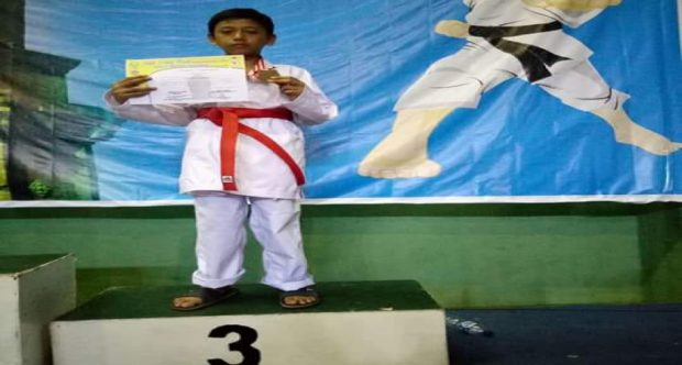 Karate MIN 1 Kota Madiun Menambah Koleksi Medali