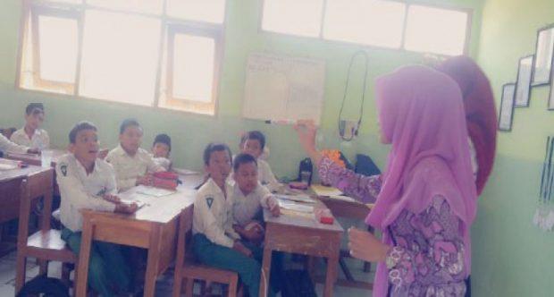 Praktik Pengalaman Lapangan (PPL) Mahasiswa IKIP PGRI Madiun Tahun 2015